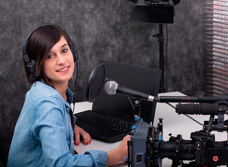 Cuánto cobra un montador de cine: Descubre su salario