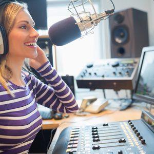 Locutor de radio y sus funciones