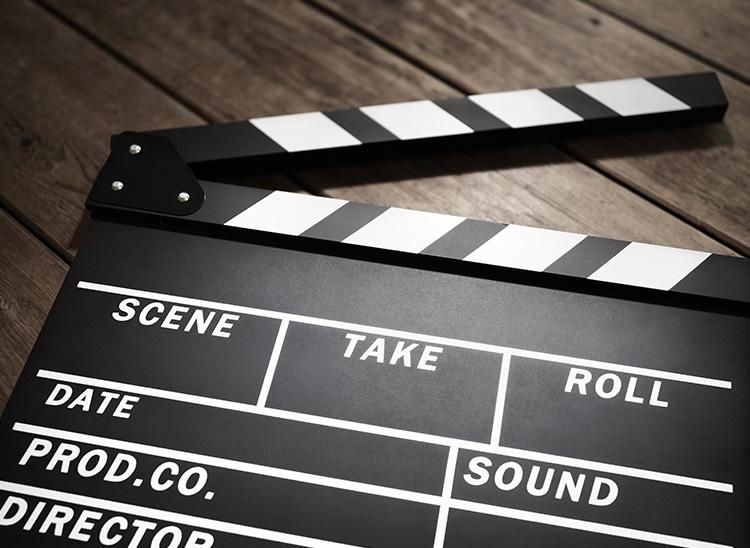La claqueta de cine: ¿qué es y para qué sirve?