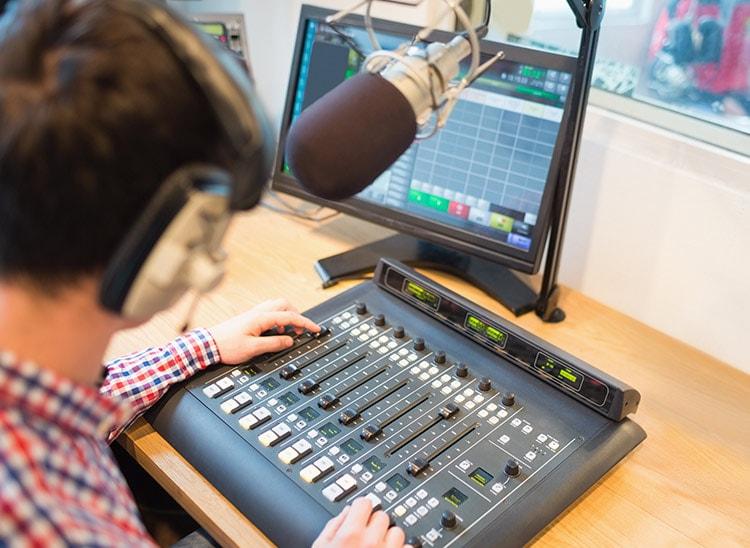 Programa para hacer doblaje de voz