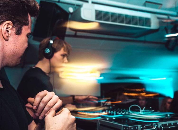 Curso de DJ online: ventajas de la formación a distancia