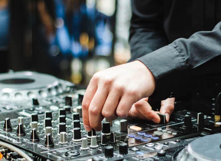 Curso DJ Madrid: te decimos cómo elegir el mejor