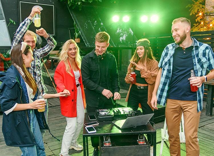 Salidas laborales: DJ para fiestas