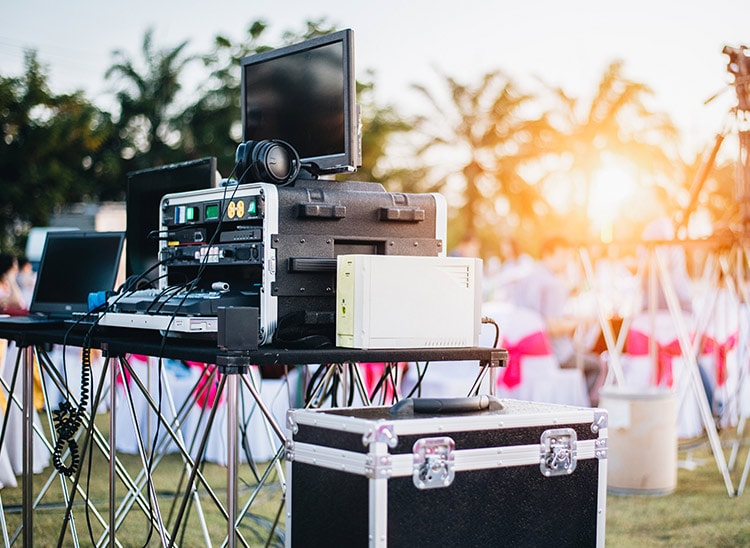Salidas laborales: DJ para eventos