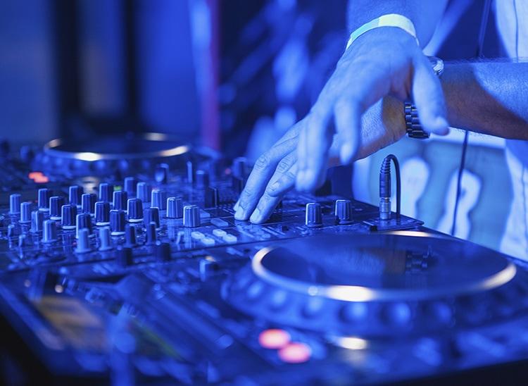 Los mejores Disc-Jockey de la historia: DJ Oliver Heldens