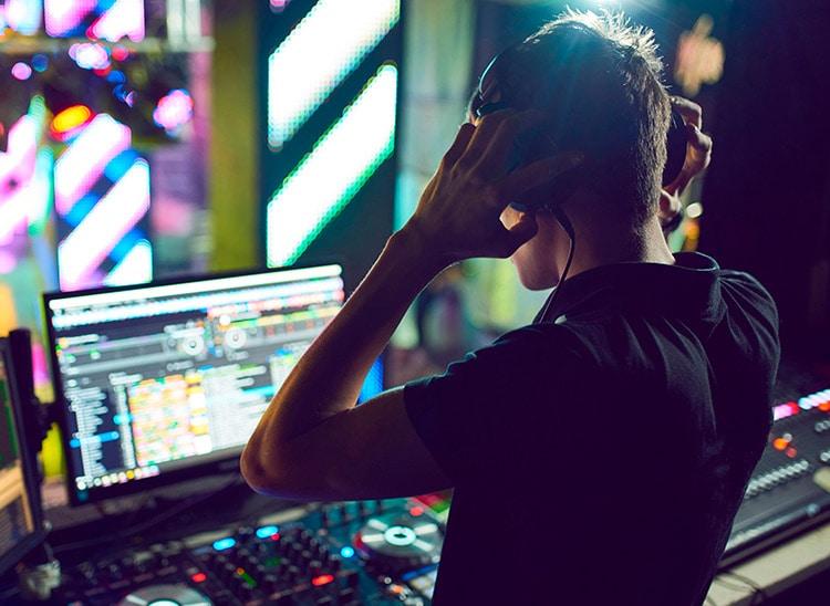 Descubre para qué se usan los auriculares DJ