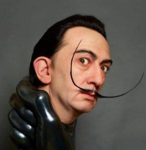 kazu hiro - escultura dalí