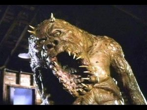 monstruo en el armario película