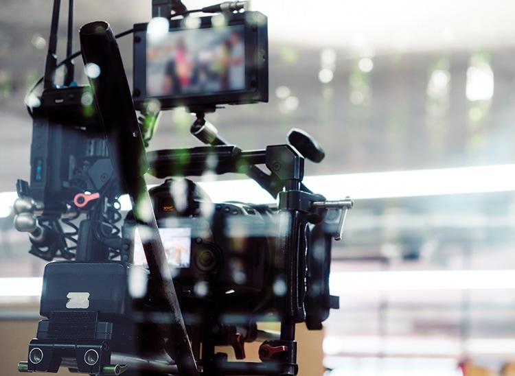 Sueldo productor audiovisual, ¿cuánto ganan?