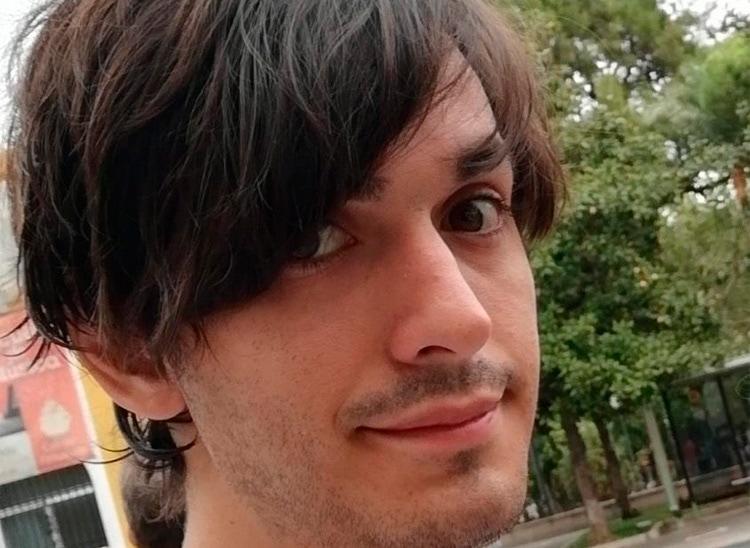 """Víctor Peralta, alumno del curso de Doblaje: """"Este curso me ha ayudado a confiar en mí mismo"""""""