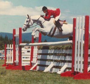 Linda Blair montando a caballo