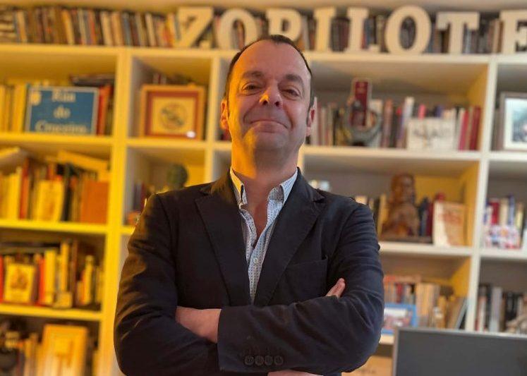 """Carlos Ares, profesor de guion: """"Como guionista nunca puedes dejar de formarte ni perder las ganas de aprender"""""""