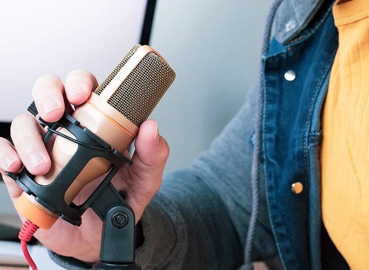 grabar podcast en español