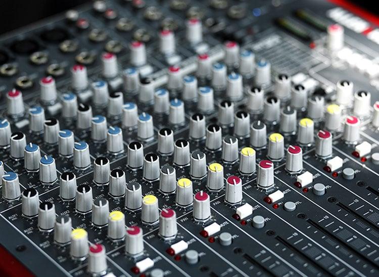 sonorización de espectáculos - técnico de sonido