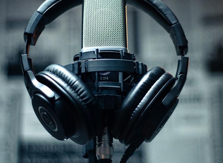 sueldo locutor radio